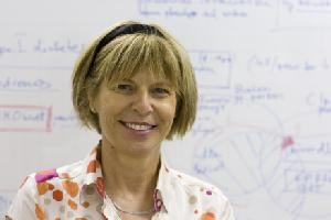 Professor P. Elizabeth Rakoczy Centre for Ophthalmology and Visual Sciences The University of Western Australia Head of Department - Molecular Ophthalmology Lions Eye Institute Australia