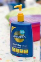"""Sunscreen"" by Tom Newby is licensed under CC BY 2.0"
